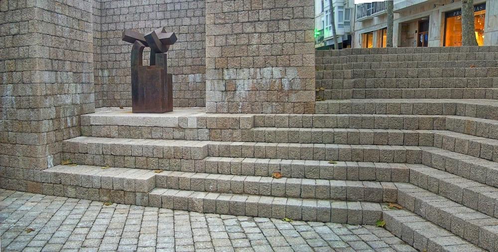 chillida-monumento-fueros