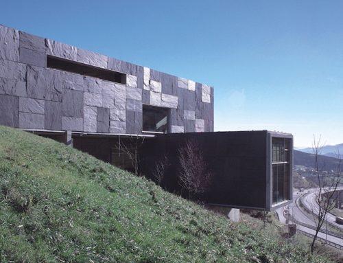 Lousa de Galicia, arquitectura, tradición e modernidade